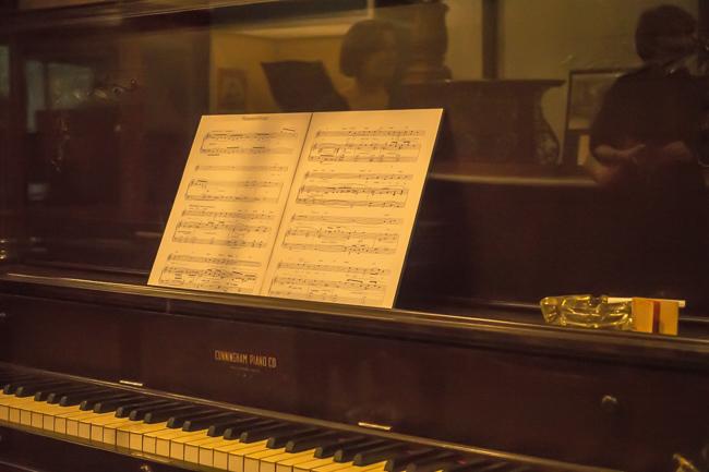 Gershwin-Piano_lo