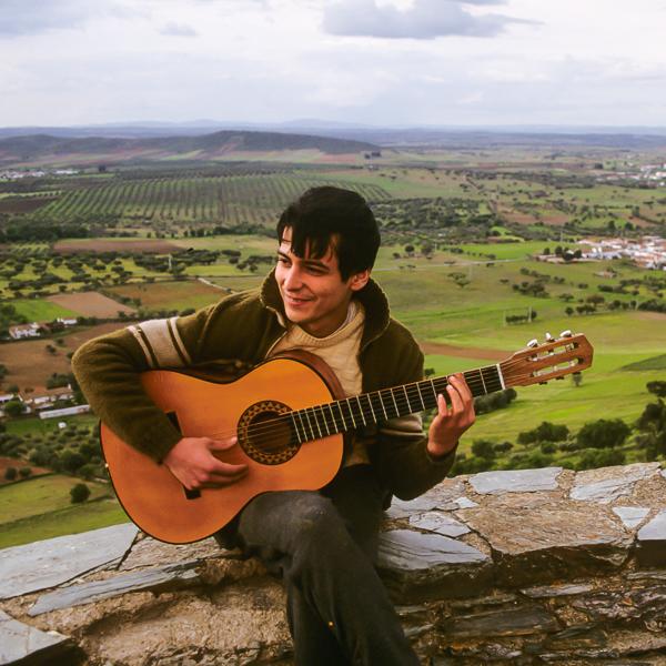 Guitarist in Monsaraz, Alentejo, Portugal © Charles & Mary Love